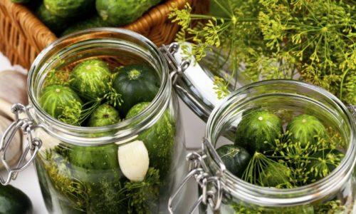 Из рациона убираются маринованные продукты, домашние заготовки