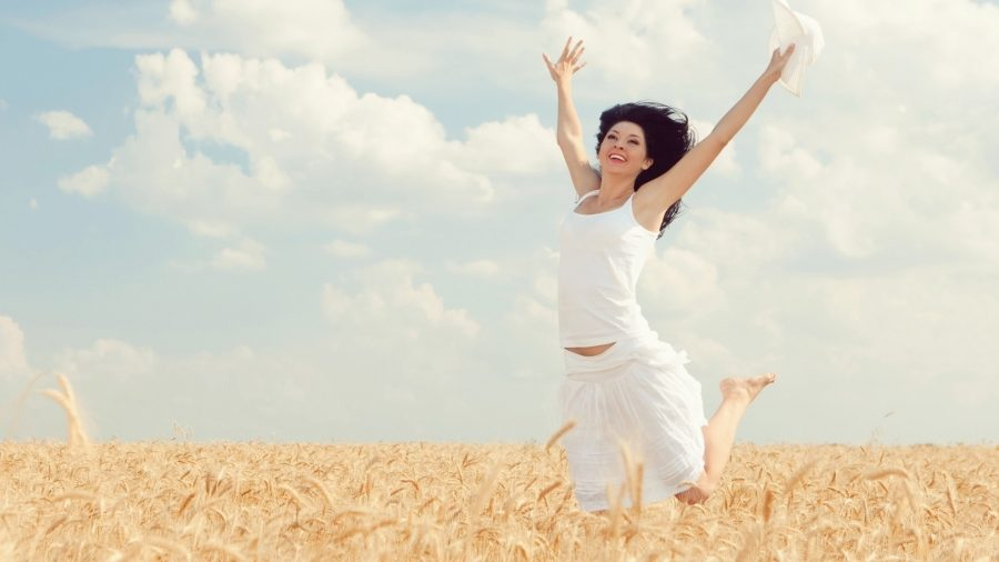 Женщина со здоровыми суставами