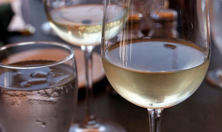 Как приготовить крепленое вино