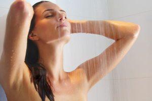Тщательное подмывание с мылом